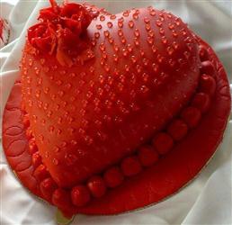 Valentine Heart Shape Cake Eggless