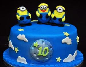 Dirty minions Cake